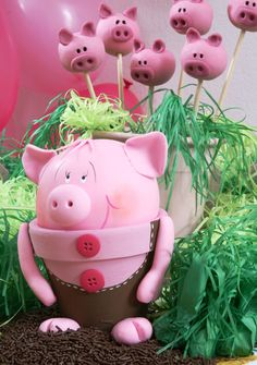 DIY garden decor idea cute piggy flower pot clay www.diy-enthusiasts.com