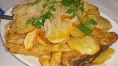 Codfish or bacalhau is an essential part of Portuguese cuisine. The food, in general, is rich and varied due to the colonial past of Portugal. Cod Fish Recipes, Seafood Recipes, Bacalhau Recipes, Clean Recipes, Cooking Recipes, Modern Food, Portuguese Recipes, Portuguese Food, Portuguese Culture