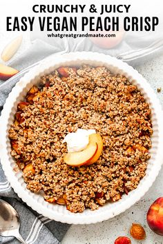 you are a fan of yummy summer peach desserts, you are going to love this easy and crunchy vegan and paleo peach crisp, with soft sweet filling topped with crispy nutty topping! #paleo #vegan Healthy Vegan Desserts, Best Vegan Recipes, Paleo Treats, Low Carb Desserts, Healthy Dessert Recipes, Paleo Vegan, Baking Recipes, Healthy Life, Healthy Eating