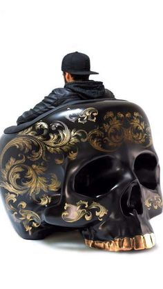 Love this skull chair - Pablo Pins Skull Furniture, Gothic Furniture, Coaster Furniture, Funky Furniture, French Furniture, Unique Furniture, Furniture Plans, Contemporary Furniture, Furniture Decor