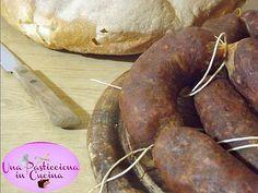 Salsiccia Fatta in Casa : la ricetta con tutti i passaggi necessari per preparare a casa vostra una gustosissima salsiccia , fatta con le vostre mani !
