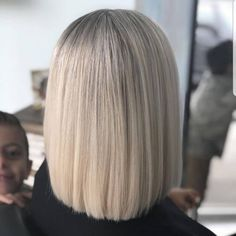 Picture of a perfectly straight ash blonde shoulder length hair Shoulder Length Hair Blonde, Shoulder Length Straight Hair, Shoulder Hair, Short Straight Hair, Long Curly Hair, Thin Hair, Easy Hairstyles, Straight Hairstyles, Vintage Hairstyles
