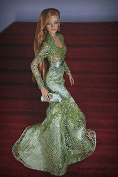 Antonio Realli  jolie robe  verte  perlee **+