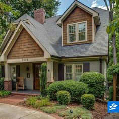 Ideas house styles exterior brick floor plans for 2019 - Home & DIY Siding Colors For Houses, Exterior House Colors, Exterior Design, Craftsman Home Exterior, Exterior Doors, Craftsman Style, Cottage House Designs, Cottage Homes, Cottage Style