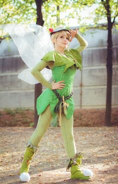 Cosplayer : Shuxx. Character : Tinkerbell Version : Movie Serie : Tinkerbell and the lost treasure Con : Harajuku ( Paris - september 2012 ) Photographer : Omaru All the costume is painted to creat...