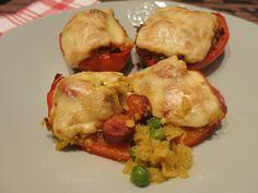 Low Carb Rezepte von Happy Carb: Raclette-Paprika-Schiffchen - Als Pfännchen für den Raclette-Käse muss die Paprika herhalten.