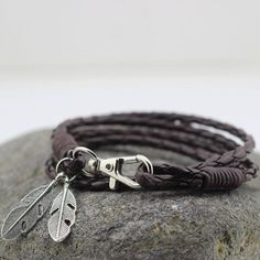 Bracelet with Feather in Dark Brown – gentlemansbracelets