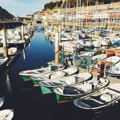 The Puerto de San Sebastián sits just off of the old part of the city. After a few pintxos and a glass of wine, you can wander down the cobbled streets and watc