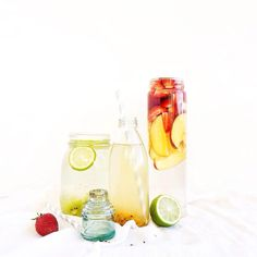 Detox water goals! 💦  Kiwi, Lime & Coconut Water 🥝  Strawberry & Nectarine 🍓  Plain & Passion Fruit 💛  Credit: @anettvelsberg #simplyhealthyme   Click follow for your daily dose of delicious healthy food inspo! 👉