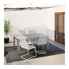IKEA - FALSTER / VÄSMAN, Bord+4 karmstolar, utomhus, grå/vit, , Materialen i denna utomhusmöbel är underhållsfria.Ribborna är vädertåliga och enkla att sköta eftersom de är gjorda av plastmaterialet polystyren.Stolen har en behaglig svikt som gör att du sitter bekvämt.