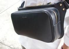 Sling Bag. Bum Bag. Leather Bag. PDF Pattern. Leather fanny pack. Fanny Pack Pattern, Wallet Pattern, Pdf Patterns, Craft Patterns, How To Make Leather, Leather Bag Pattern, Leather Fanny Pack, Bum Bag, Denim Bag