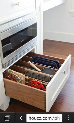 tidy bakeware storage