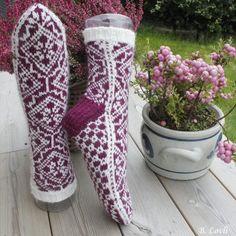 Ravelry: Designs by StrikkeBea Cool Socks, Awesome Socks, Knitting Socks, Knit Socks, Leg Warmers, High Socks, Ravelry, Legs, Design