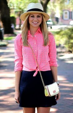 Love love this outfit with the hat!