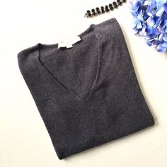 Gray v-neck sweater Gray sweater, loose fitting size XS. Color most true to first picture LOFT Sweaters V-Necks