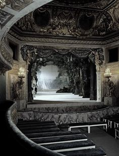 Marie Antoinette's private theater Versailles France 550772_435027906555415_2103798735_n.jpg (497×650)