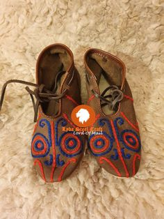 Embroidery Materials, How To Make Shoes, Cobbler, Natural Leather, Chrome Finish, Vikings, Red And Blue, How Are You Feeling, Colour