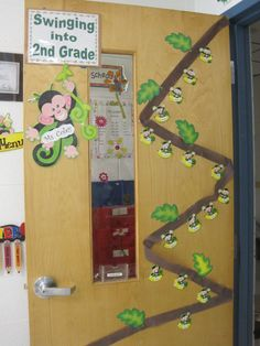 Second Graders: Savvy Second Graders: Monkey Classroom Theme Jungle Classroom Door, 2nd Grade Classroom, Classroom Setup, Classroom Design, Kindergarten Classroom, Future Classroom, Classroom Organization, Classroom Management, Kindergarten Graduation