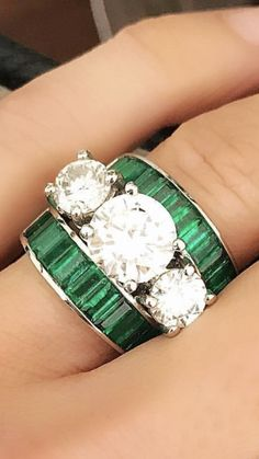 DEFINITELY AN O.M.G!! STYLE OF RING!! - LOOKS AMAZING & SIMPLY EXQUISITE! 💞
