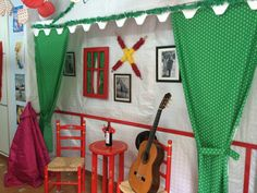 Feria de Abril – Live the life you have imagined Flamenco Party, Flamenco Costume, Grad Parties, Birthday Parties, Ideas Decoracion Cumpleaños, Rainforest Project, Hispanic Heritage Month, Classroom Crafts, Finding A House