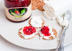 Cheese Appetizer Ideas | GOAT CHEESE AND PEPPER JELLY