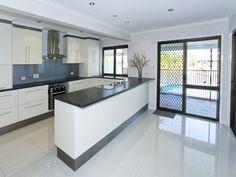 Modern u-shaped kitchen design using granite - Kitchen Photo 891633