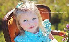www.katieboserphotography.com Toddler Girl Pose, Child Photography, Photo Prop, Outdoor Photography