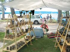 Artists Circle Archives - Ceramics and Pottery Arts and Resources Vendor Displays, Craft Fair Displays, Display Ideas, Vendor Booth, Booth Displays, Booth Ideas, Craft Show Table, Craft Show Booths, Craft Show Ideas