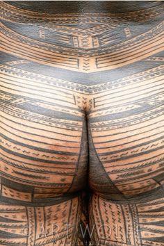 difference between samoan and polynesian tattoos Leg Tattoos, Arm Band Tattoo, Body Art Tattoos, Tribal Tattoos, Tattoos For Guys, Tatoos, Tattoo Wolf, Inkbox Tattoo, Polynesian Men