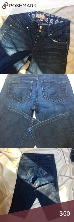 """Paige Hidden Hills High Rise Boot Cut Jeans Paige Hidden Hills Boot Cut Jeans •Style """"Hidden Hills"""". •Dark wash. •High Rise Boot Cut. •Size 24 (0). Inseam 30.5"""", Front Rise 5.5"""", Waist 25"""". •Used, good condition. PAIGE Jeans Boot Cut"""