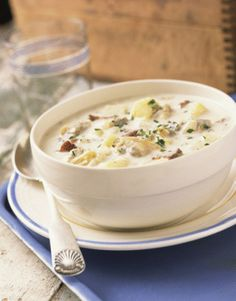 Clam Chowder Recipe - Clam Chowder Recipe with Potatoes and Bacon
