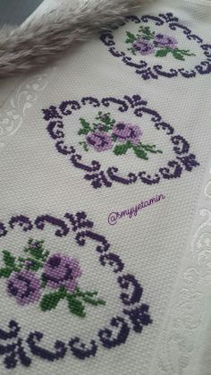 Cross Stitch Borders, Cross Stitch Flowers, Cross Stitch Designs, Cross Stitch Patterns, Hand Embroidery Design Patterns, Stitch 2, Cross Stitch Embroidery, Pattern Design, Needlework