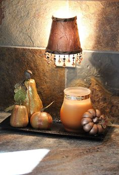 great decoration idea for the kitchen counter