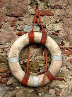 Vintage life buoy, scali delle Cantine, Livorno