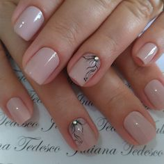 Pin by Fatima Campos on unhas in 2020 Short Nail Manicure, Nude Nails, Manicure And Pedicure, Classy Nails, Simple Nails, Trendy Nails, Minimalist Nails, Fabulous Nails, Perfect Nails