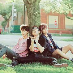 jin, RapMonster y Taehyung