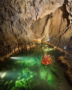 Altınbeşik Mağarası/ANTALYA Turkey largest underground lake. Have you been here? Pls comment down.. Follow: @outdoorsurvivalgear @erdiyilmaz83