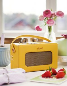 Oh how I would love to have a roberts retro radio!! Yellow or Mint green would be the best!