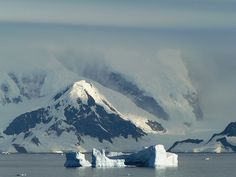 Antarctica leaving Paradise Harbour by Dave Curtis, via Flickr