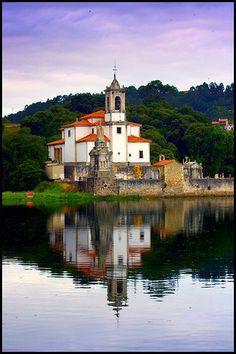 Iglesia de Barro (Asturias)