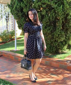 Vestido romântico com estampa de corações. Romantic dress qith printed hearts. http://www.elropero.com/2014/10/fashion-set-estampa-de-coracoes.html