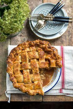 Salted Caramel Apple Pie by supergoldenbakes.com
