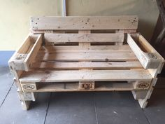 Recycled Pallet Furniture, Pallet Furniture Designs, Pallet Garden Furniture, Diy Pallet Sofa, Pallet Designs, Diy Furniture, Outdoor Pallet Seating, Outdoor Pallet Projects, Diy Wood Projects