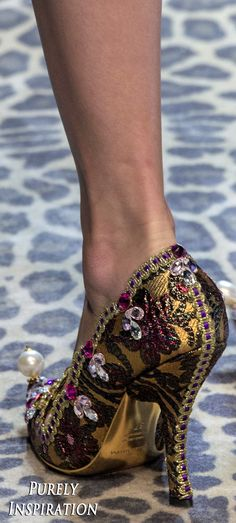 Dolce & Gabbana FW2017 Women's Fashion (details) RTW | Purely Inspiration