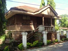 Ancestral house of Don Teodoro Brillantes, Tayum Abra Filipino Architecture, Philippine Architecture, Art And Architecture, Filipino House, Philippine Houses, Bamboo House, Spanish House, Tropical Houses, Historic Homes