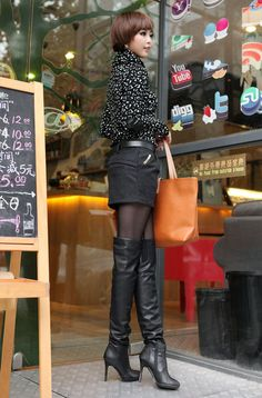 How you can trend over the knee boots, over the knee boots outfit inspirations, plummet styles, winter period design and style. Over the knee boot outfits Sexy Boots, Black Boots, Over The Knee Boot Outfit, Girls In Mini Skirts, Thigh High Boots Heels, High Leather Boots, Black Leather, Fashion Boots, Lady