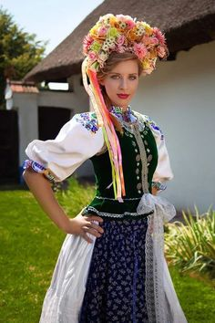 Project Travel, Beauty of the World - Slovakia by Zdenka Šimeková on Ukraine, Costumes Around The World, Russian Culture, Native Style, Fantasy Dress, Textiles, Folk Costume, Traditional Dresses, Beauty Photography