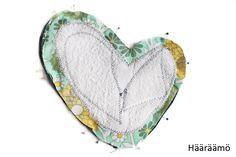 Näin tämän tyylisiä patakintaita vuosia sitten Tukholman DesignTorgetilla . Mittailin niitä vaivihkaa käsissäni, piirsin kotona kaa... Mittens, Pot Holders, Household, Sewing, Oven, Couture, Kitchen, Quilting Patterns, Fingerless Mitts