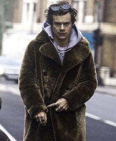 More of Harry out in London today! 12.20.16 h