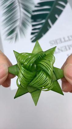 Diy Crafts Hacks, Diy Crafts For Gifts, Diy Home Crafts, Creative Crafts, Handmade Crafts, Crafts For Kids, Paper Flowers Craft, Paper Crafts Origami, Flower Crafts